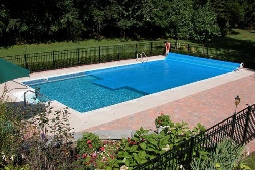 Using Thermo-Tex Rectangle Solar Pool Cover